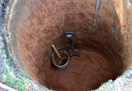 Фото 1: Выгребная яма