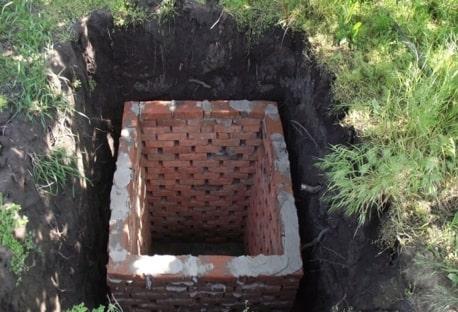 Фото 2: Выгребная яма