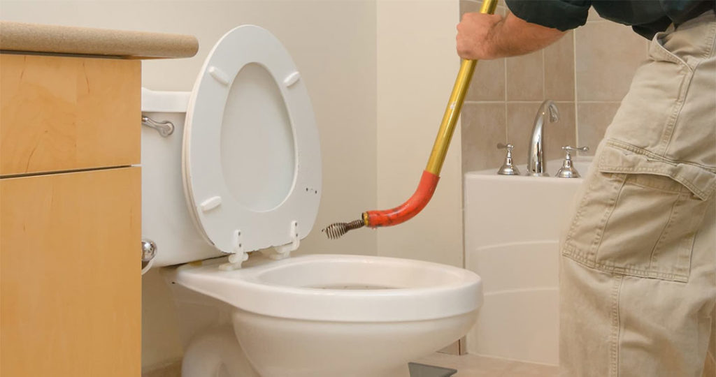 Прочистка канализации в загородном доме