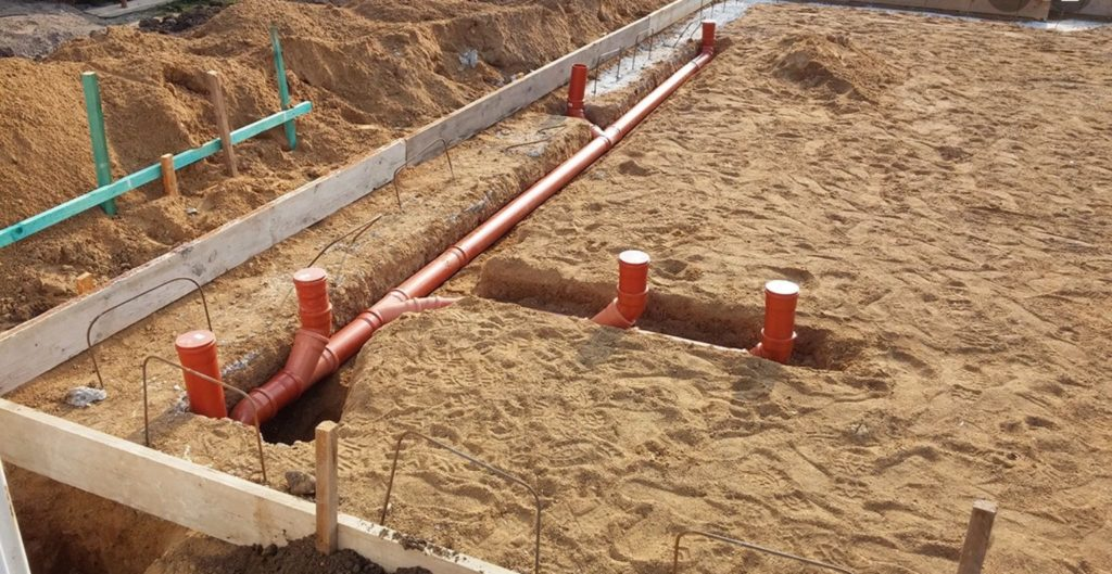 Трубопровод под фундаментом