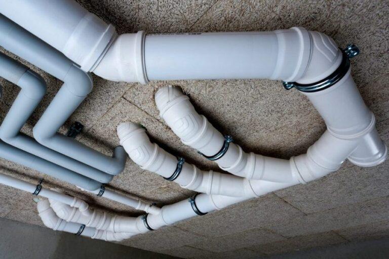 Установка пластиковых труб